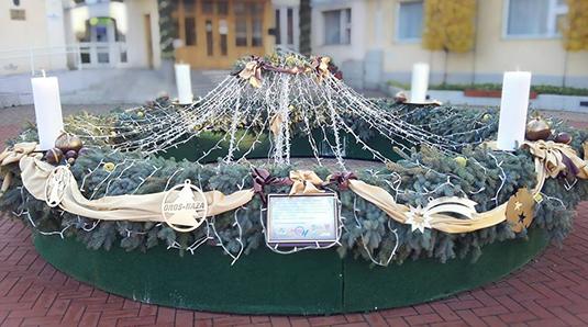 Orosháza koszorúja - idén is szeretettel készítettük (Fotó: Rosta Tibor)
